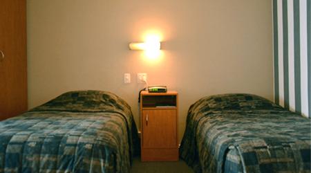 Kiwi Studios Motel Family Unit Two Single Bed